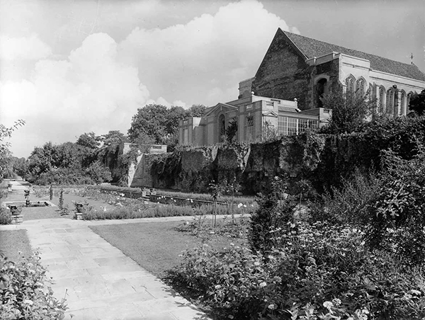 The Rose Garden at Eltham Palace in 1937 a garden designed in the Arts and Craft style. © Alfred E. Henson/Country Life Picture Library