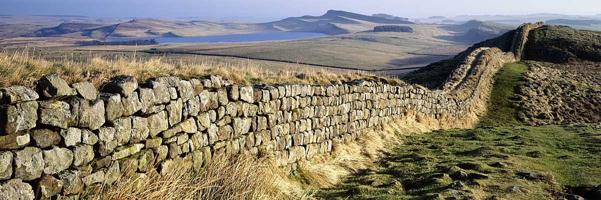 Hadrians Wall west of Housesteads Fort, looking east